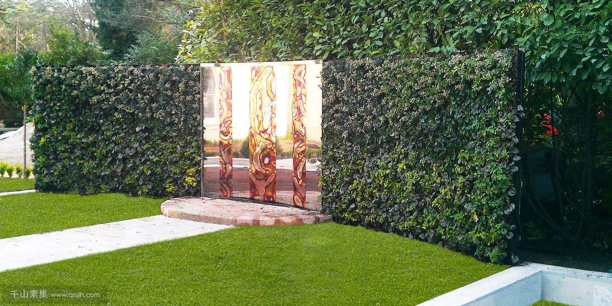 别墅庭院的水景垂直绿化