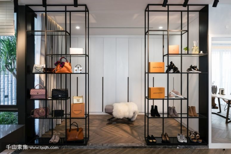 05-Theres-an-airy-closet-with-stylish-and-refined-shelves-775x517.jpg
